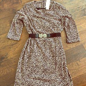 Dresses & Skirts - Chico's slimming dress